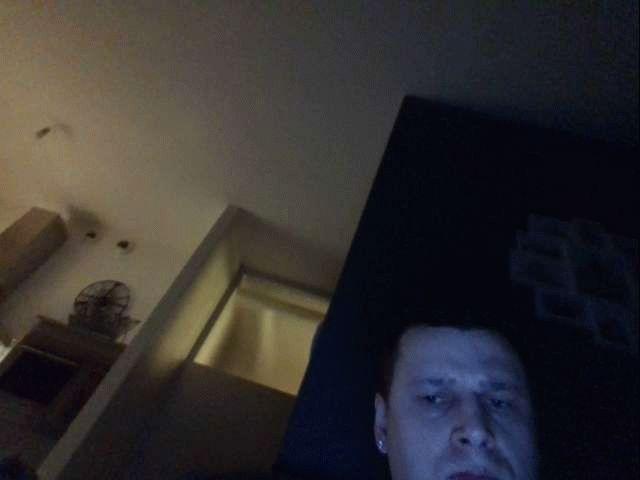 Nu live hete webcamsex met Hollandse amateur  michiel83?
