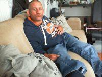 Nu live hete webcamsex met Hollandse amateur  mikeziggo?