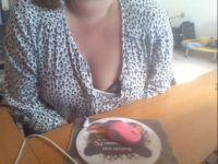 Nu live hete webcamsex met Hollandse amateur  missesmollie?