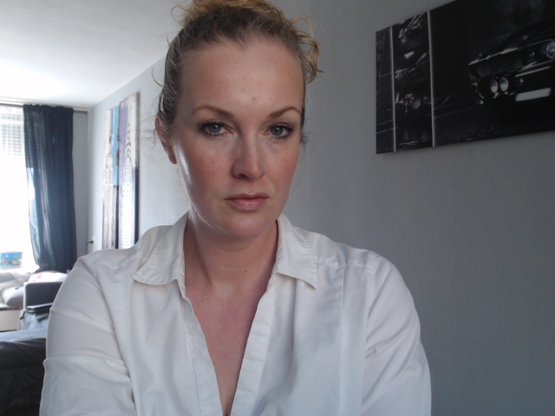 Nu live hete webcamsex met Hollandse amateur  missveena?