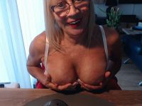 Nu live hete webcamsex met Hollandse amateur  monicaa?