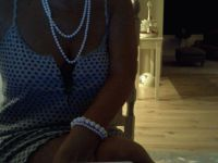 Nu live hete webcamsex met Hollandse amateur  morgane?