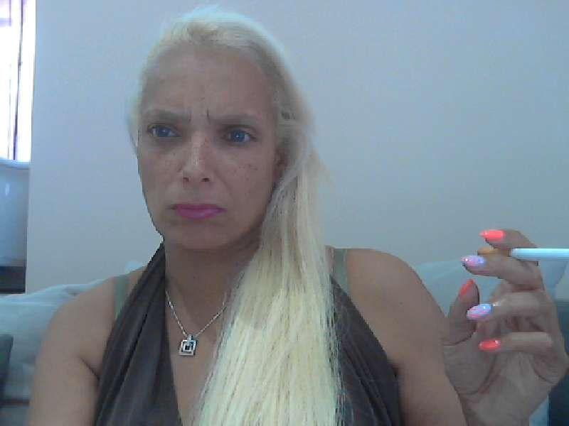 De vurige 35 jarige Vlaamse Muriel wil samen met jou heerlijk klaarkomen via de webcam!