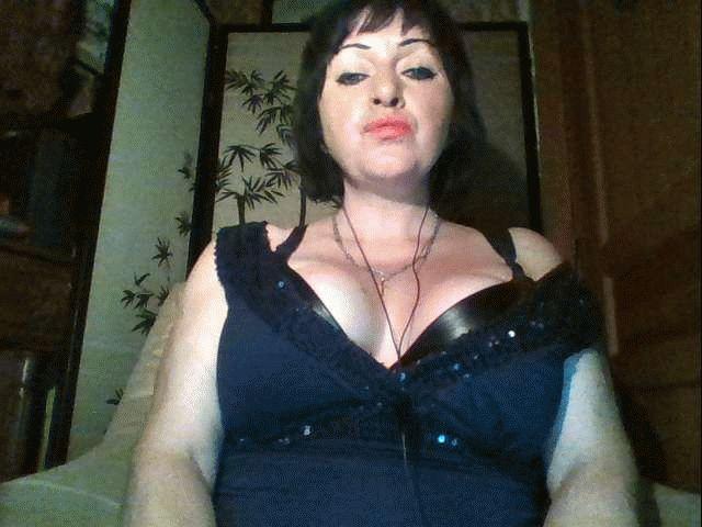 Nu live hete webcamsex met Hollandse amateur  Myra?