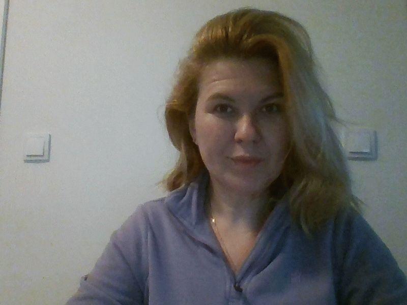 Nu live hete webcamsex met Hollandse amateur  mysticsky?