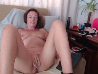 Nu live hete webcamsex met Hollandse amateur  naughtynancy?