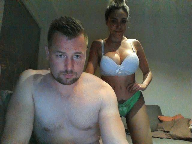Nu live hete webcamsex met Hollandse amateur  nickooo?