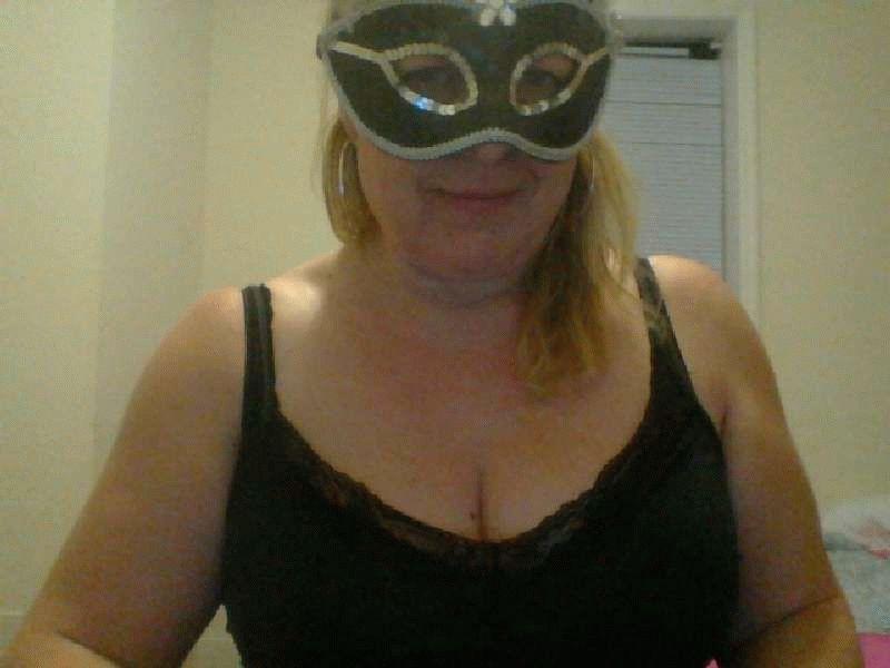 Nu live hete webcamsex met Hollandse amateur  nickyholland?