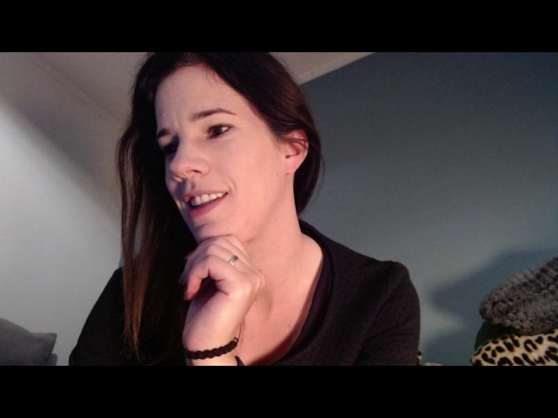 Nu live hete webcamsex met Hollandse amateur  nina87?