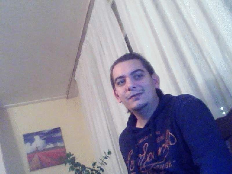 Nu live hete webcamsex met Hollandse amateur  pcboy86?