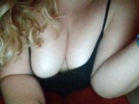 Nu live hete webcamsex met Hollandse amateur  petrachantal?