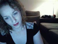 Nu live hete webcamsex met Hollandse amateur  queen_b?