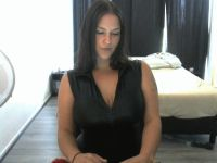Nu live hete webcamsex met Hollandse amateur  queenofall?