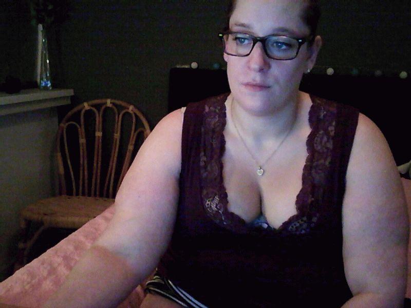 Rachel87 (29) uit Sneek zoekt spannende hete praat terwijl ze vingert voor jou.