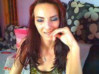 Nu live hete webcamsex met Hollandse amateur  roslyn?