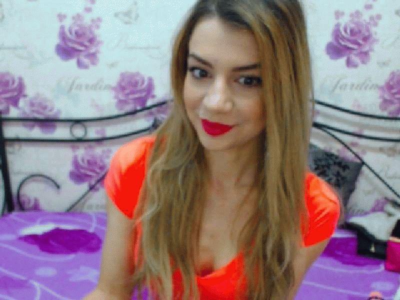 Nu live hete webcamsex met Hollandse amateur  sensualabby?