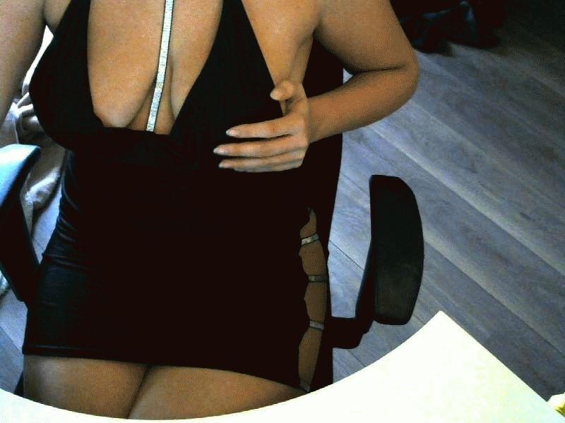 Nu live hete webcamsex met Hollandse amateur  sensuelekate?