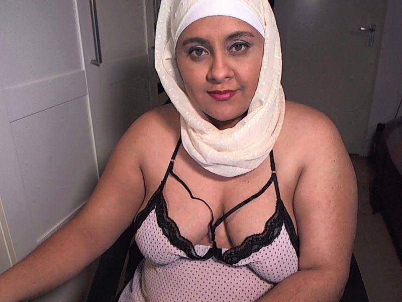 Nu live hete webcamsex met Hollandse amateur  sexy_sarah?