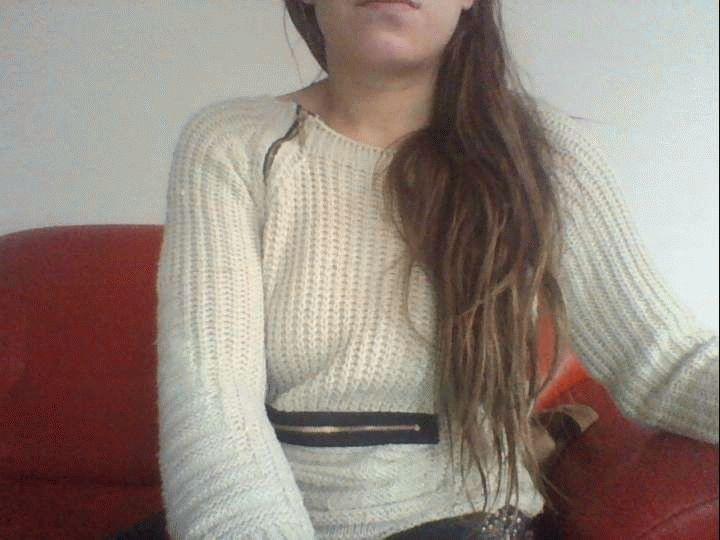 Nu live hete webcamsex met Hollandse amateur  sexydebbie?