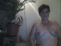 Nu live hete webcamsex met Hollandse amateur  sexylady4u?