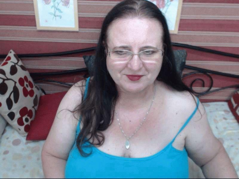 Nu live hete webcamsex met Hollandse amateur  sexysandie?