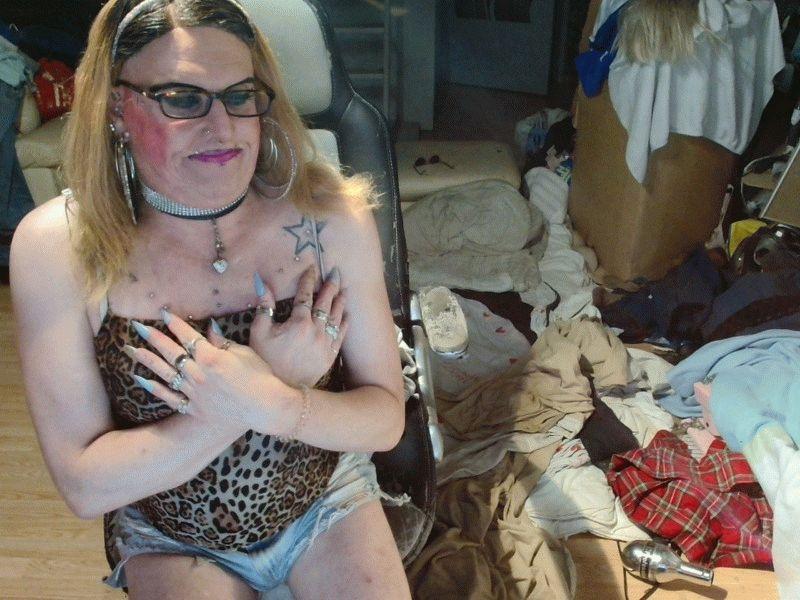 Nu live hete webcamsex met Hollandse amateur  sexystefanietv?