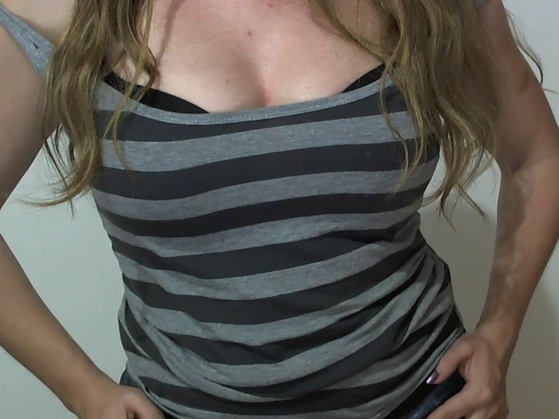 Nu live hete webcamsex met camamateur  sharonsexy?