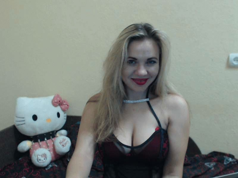 Nu live hete webcamsex met Hollandse amateur  sheenashaw?