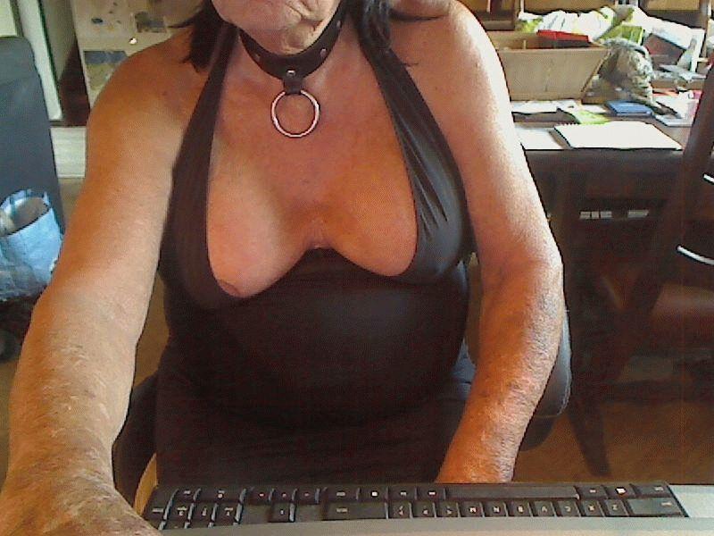 Nu live hete webcamsex met Hollandse amateur  shemalepetx?