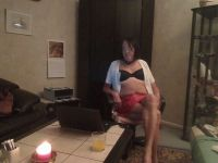 Nu live hete webcamsex met Hollandse amateur  shemalesimone?