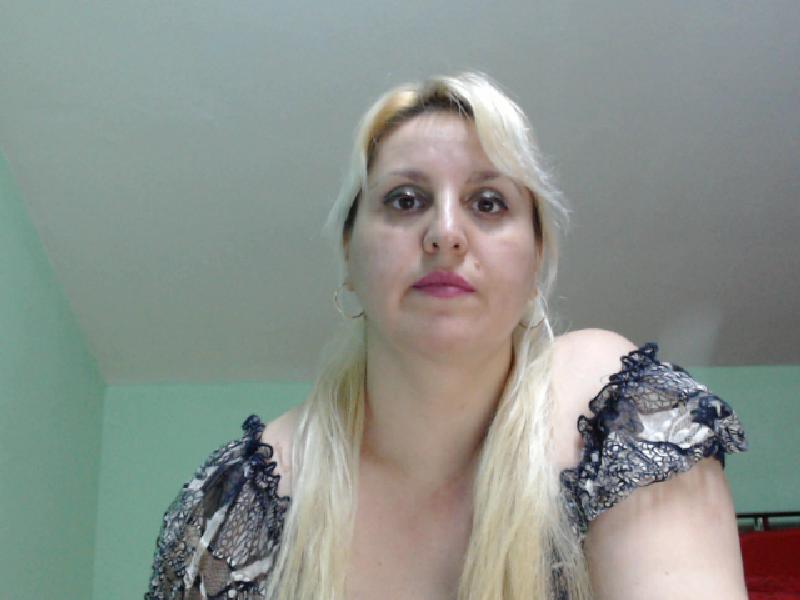 Nu live hete webcamsex met camamateur  sorayam?