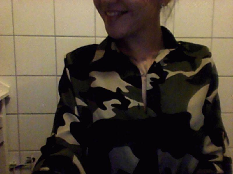 Nu live hete webcamsex met Hollandse amateur Sunnyjoy?