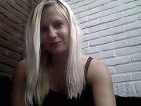 Nu live hete webcamsex met Hollandse amateur  sweetjen94?