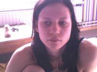 Nu live hete webcamsex met Hollandse amateur  syennahot?