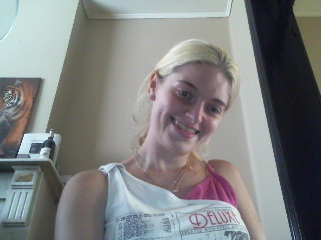Nu live erotisch webcammen met Hollandse amateur  tatianaa93?