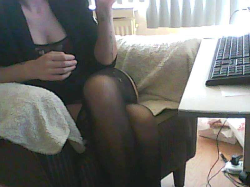 Nu live hete webcamsex met Hollandse amateur  tiffany91?