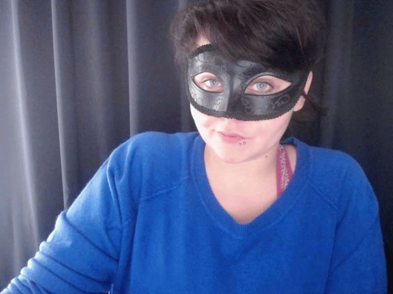 Nu live erotisch webcammen met Hollandse amateur  toytoygirl?