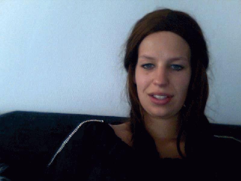 Nu live hete webcamsex met Hollandse amateur  veronicatje20?