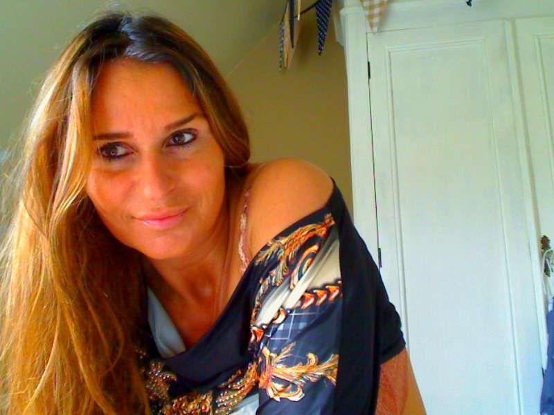 De mooie 33 jarige Xena wil jouw zaad zien spetteren voor de cam.