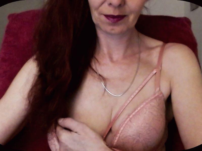 Nu live hete webcamsex met Hollandse amateur  yessika?