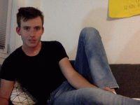 Nu live hete webcamsex met Hollandse amateur  yourfanthosies?
