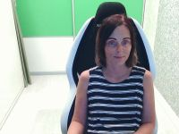 Nu live hete webcamsex met Hollandse amateur  Yourhousewife?