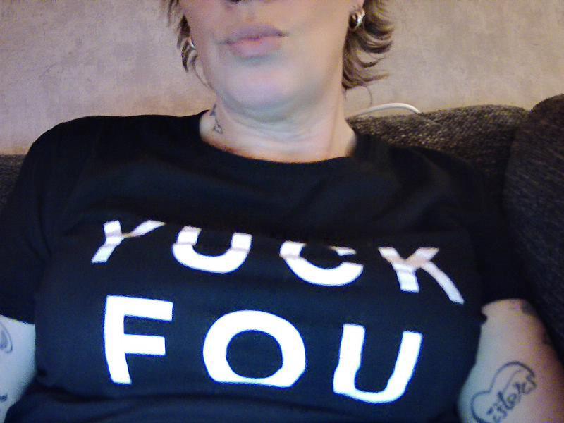 Nu live erotisch webcammen met Hollandse amateur  zusterhot?