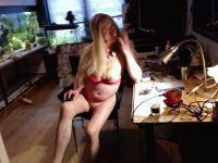 Nu live hete webcamsex met Hollandse amateur  alisiaice?