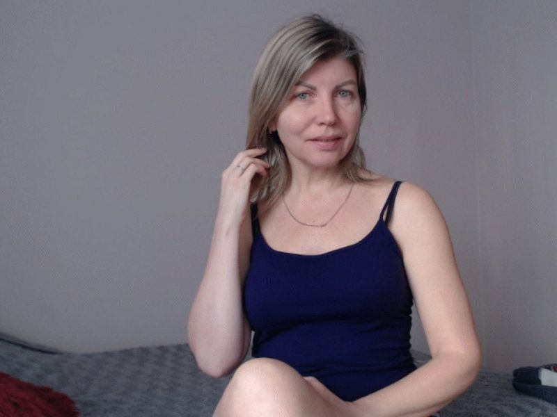 Nu live hete webcamsex met Hollandse amateur blondy_candy?