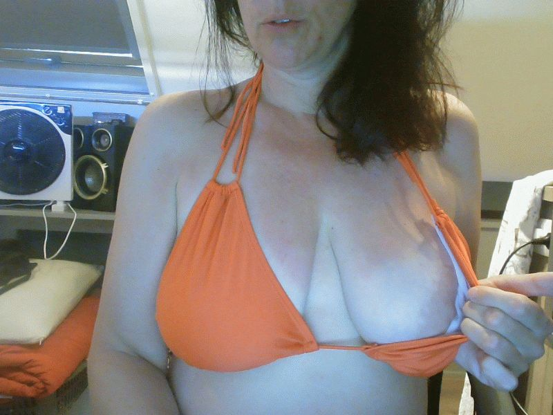 Vrouw 40 jaar uit Rotterdam in sexy lingerie