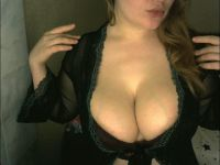 Nu live hete webcamsex met Hollandse amateur  ketykrees23?