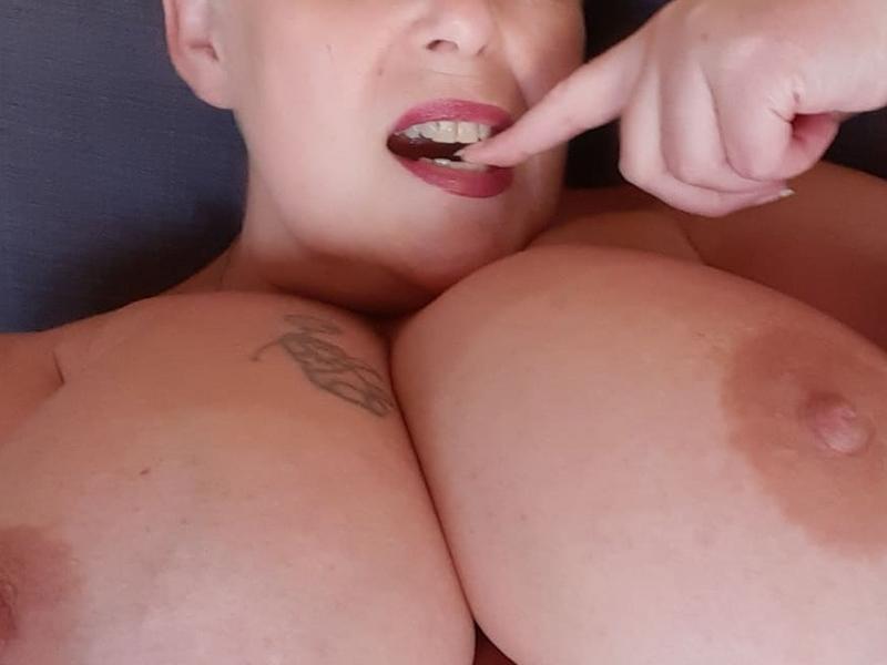 Webcam Dame lindah uitWoonplaats: Weert