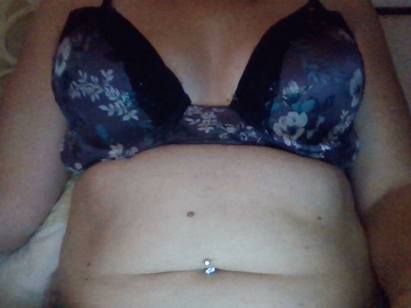 Nu live hete webcamsex met Hollandse amateur lovelylady1989?