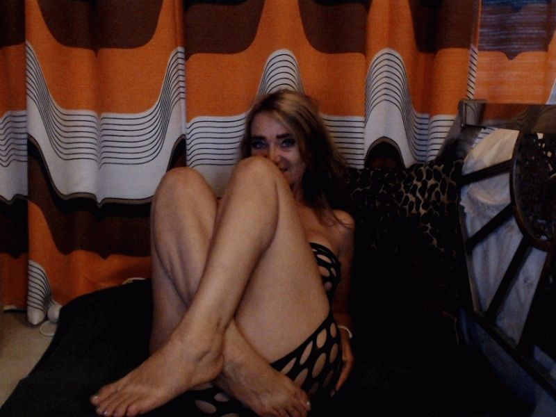 Nu live hete webcamsex met Hollandse amateur miss70?
